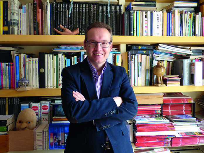 Alfonso Pinilla García en la sede de Ventana Digital Comunicación