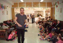 """""""Cuéntame un cuento"""", actividad intergeneracional para celebrar el Día del Libro (Foto: Julia Casado)"""
