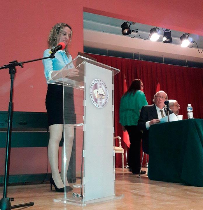 social blanco pecho enorme en Alcorcón