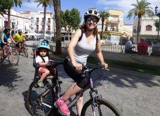 Participantes en la II Ruta ciclista solidaria a beneficio de Cáritas