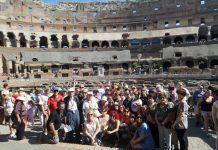 Excursión de vecinos de Montijo y Puebla de la Calzada en el Coliseo de Roma
