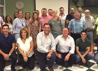 La nueva Junta Local del Partido Popular en Lobón junto al secretario provincial, presidenta comarcal, alcaldes de Pueblonuevo del Guadiana y Guadiana del Caudillo y afiliados del PP de Lobón.