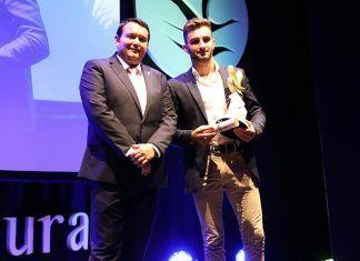 Ricardo Casas Fernández recibe el premio al Mejor Deportista Promesa Masculino en la gala de los Premios Extremadura del Deporte
