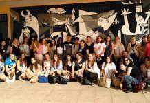 """Visita al IES Díez-Canedo de alumnos y profesores alemanes e ingleses con los que participamos en el proyecto Erasmus + """"From Symbols to Symphonies"""""""