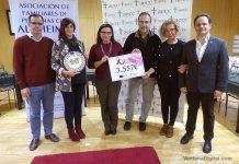 Acto de entrega a la AECC y AFAEX de la recaudación obtenida en el evento Enlazados por la Solidaridad