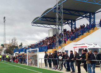 Público en el Campeonato de España de Fútbol de Selecciones Autonómicas Sub 16 y Sub 18 celebrado en Valdelacalzada