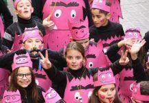 El carnaval escolar sale a las calles de Puebla de la Calzada (foto Teodoro Gracia)