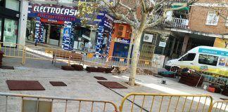Instalación de un nuevo parque infantil en la Plaza de la Constitución de Montijo