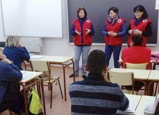 Proyecto Sumando Visiones de Cruz Roja Montijo en el Centro de Educación de Adultos de Montijo