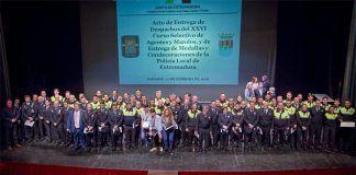 Entrega de despachos y medallas a la Policía Local de Extremadura