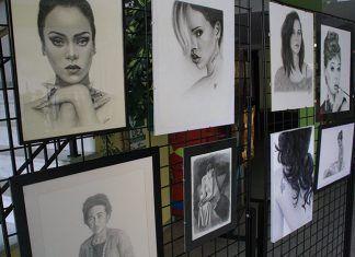 """Exposición de pintura """"Mujer y arte"""""""
