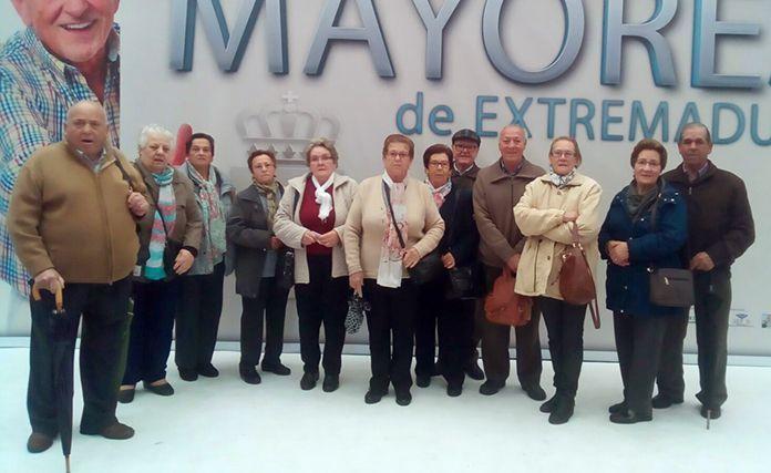 Los mayores de Lácara y Montijo visitan la Feria del Mayor
