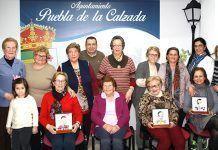 Participantes en el Taller de pintura creativa en Puebla de la Calzada
