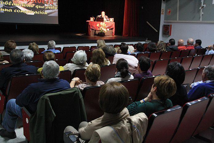 Conferencia de Juan Monzú sobre José González Fernández de la Bandera (Foto Teodoro Gracia)