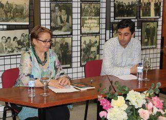 """Juani Gragera presentó su libro """"Desgarros de mi alma"""" en Puebla de la Calzada"""