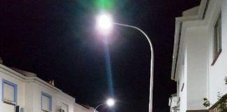 La calle Elvira Quintana estrena nueva iluminación