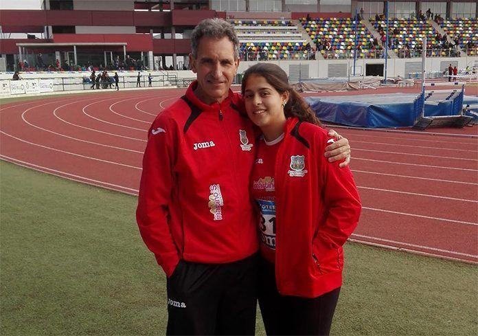 Alba Becerra Coria con su entrenador, Antonio Fuentes Gallego