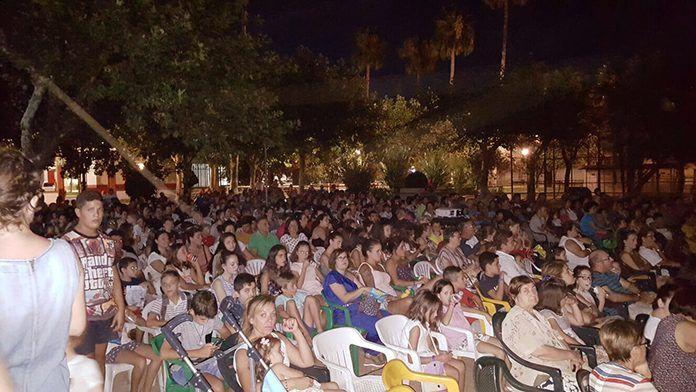 Espectadores de Cine de Verano en Puebla de la Calzada