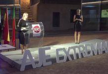 Elvira Prieto, de Montijo Tour Viajes, accésit a la Mujer Emprendedora en los Premios AJE