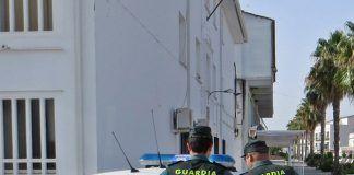 Traslado detenido por la Guardia Civil
