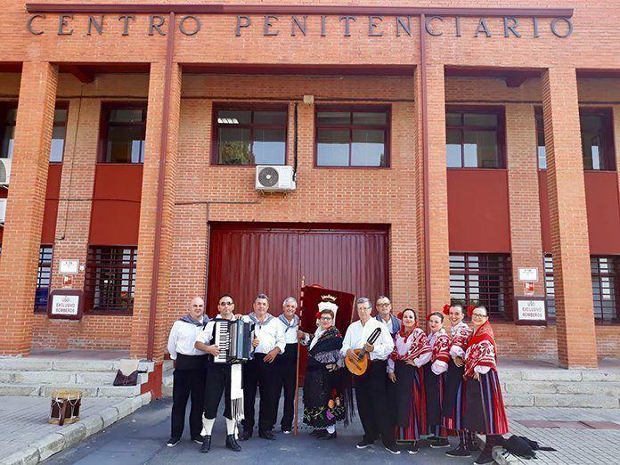 La Agrupación Cultural Agla cantó la misa extremeña en la capilla del centro penitenciario de Badajoz