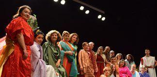 'Desmadre Romano', de Teodoro Gracia, representada por la Escuela Municipal de Teatro de Puebla de la Calzada