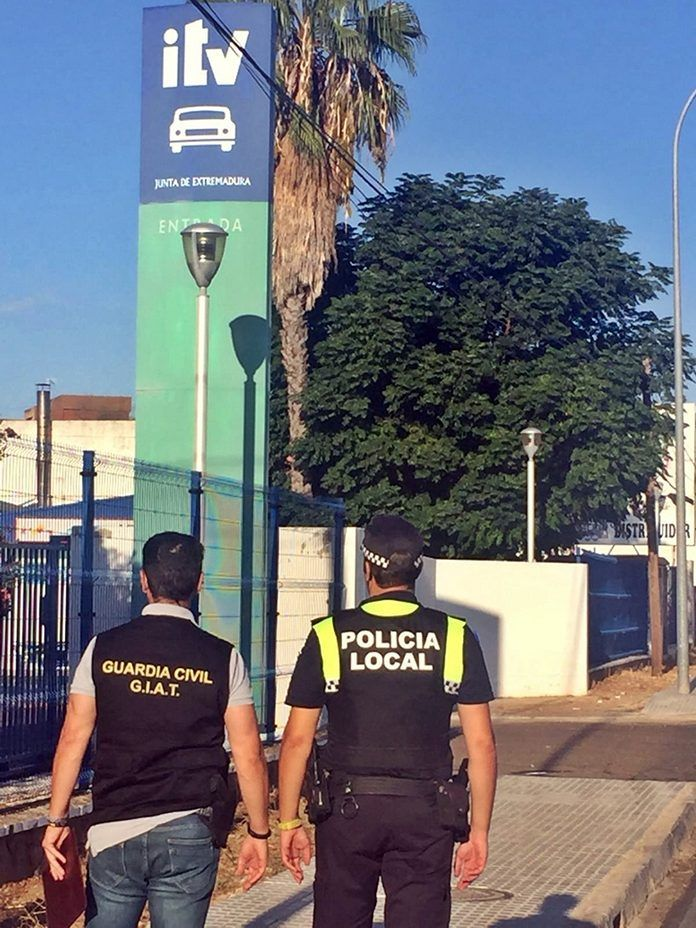 Fraude ITV Badajoz (foto Guardia Civil)