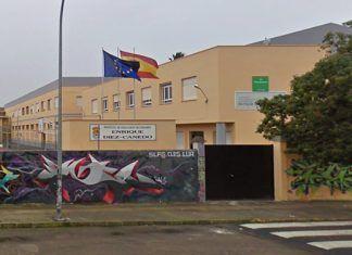 Fachada del IES Enrique Díez-Canedo de Puebla de la Calzada