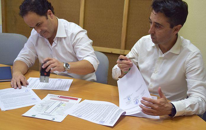 Los alcaldes de montijo y Puebla de la Calzada firman un convenio de colaboración