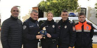 La Policía Local de Montijo entrega a Clawhauser a la Policía Local de Zafra