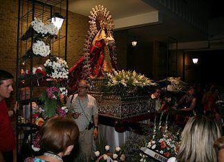 Ofrenda floral a al Virgen de Barbaño