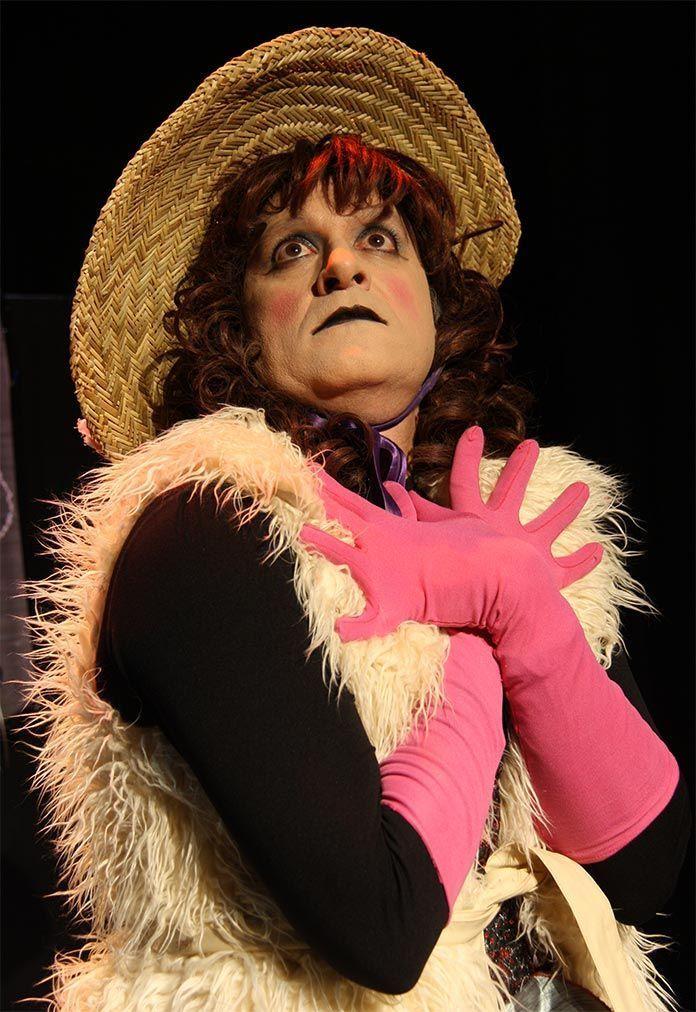 Manolo Barroso en Hotel Kabaret de Producciones Lucky & Luke