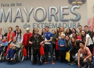 El Ciclo de Valdelacalzada visita la Feria de Mayores
