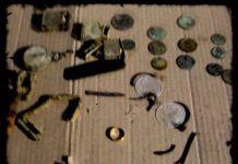 Objetos recuperados de las fosas comunes de Montijo