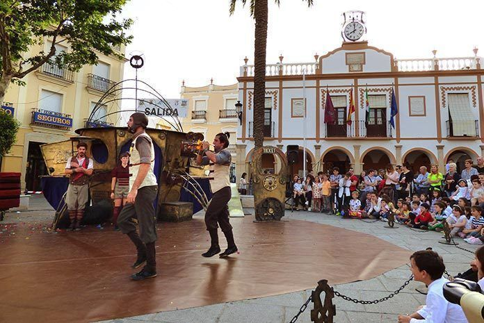 Oopart, inauguró el Festival de Teatro, títeres y cuentos D-Libro de Montijo