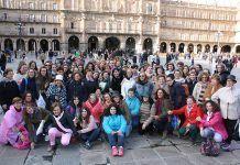 La asociación de mujeres Siglo XXI de Puebla de la Calzada visita Salamanca