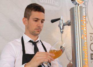 Javier Sanchez, de La Centinela, Montijo, subcampeon del campeonato de tiraje de cerveza de Extremadura