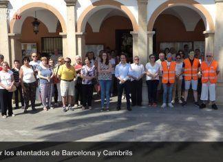 Montijo guarda silencio por las víctimas de los atentados de Barcelona y Cambrils