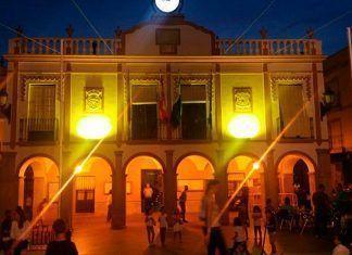 El Ayuntamiento de Montijo se suma a la campaña del Cáncer Infantil con una iluminación especialEl Ayuntamiento de Montijo se suma a la campaña del Cáncer Infantil con una iluminación especial