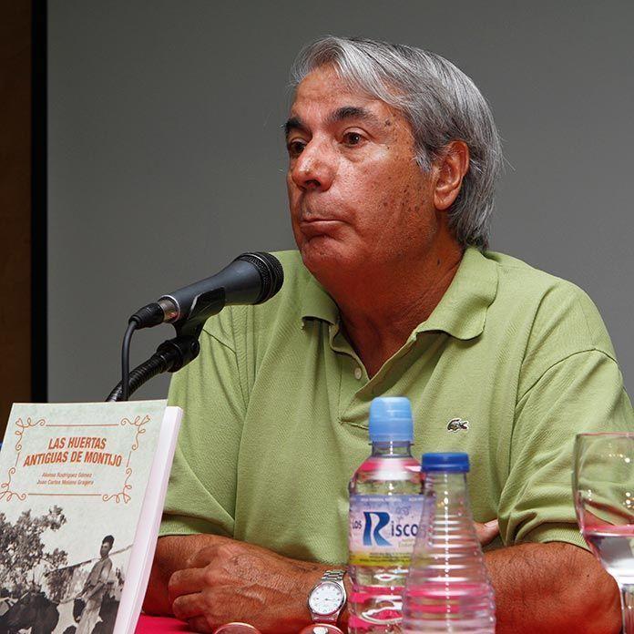 """Juan Carlos Molano, coator del libro """"Las antiguas huertas de Montijo"""""""