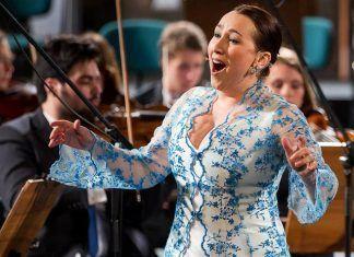 Sandra Medeiros, licenciada en la especialidad de Canto por la Escuela Superior de Música de Lisboa