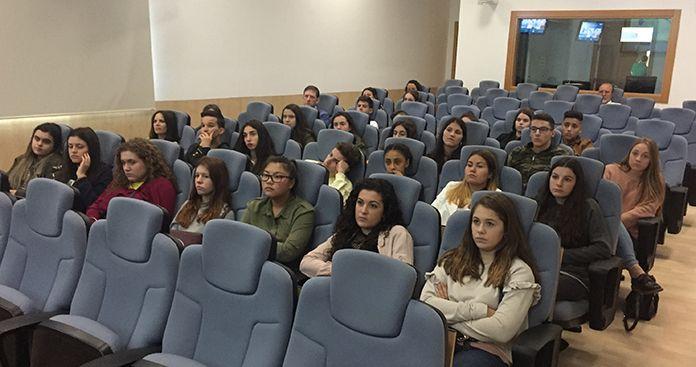 Alumnos de 4º ESO y Bachillerato de Ciencias del IES María Josefa Baraínca en visita de estudios