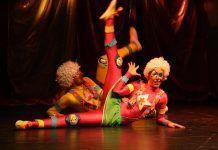 Los payasos bailarines (Fotografía Teodoro Gracia)