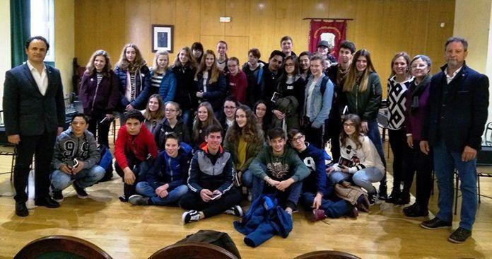 Vista de alumnos holandeses al Ayuntamiento de Montijo