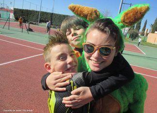 Los miembros de la Escuela de tenis Tie Break de Montijo celebraron el Carnaval