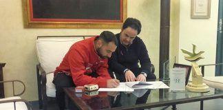 Firma de convenio entre el Ayuntamiento de Montijo y El Club Atletismo Montijo