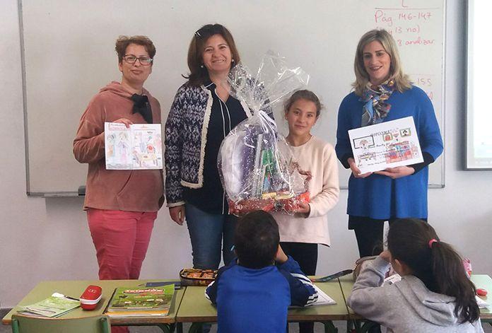 """Entrega del 3º Premio del IV Concurso Escolar de Dibujos """"Mi Madre, Mujer Trabajadora"""""""