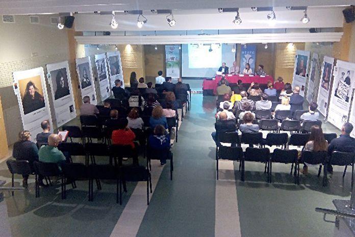 Conferencia de AEXPE en la Sala Centinela del Teatro Municipal de Montijo