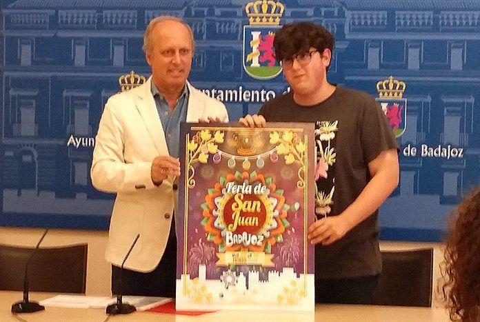 Carlos Bautista García, ganador del 1° Premio del Cartel de la Feria de San Juan de Badajoz 2018