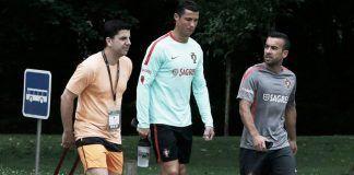 El fisioterapeuta Juaquín Juan junto a Cristiano Ronaldo.